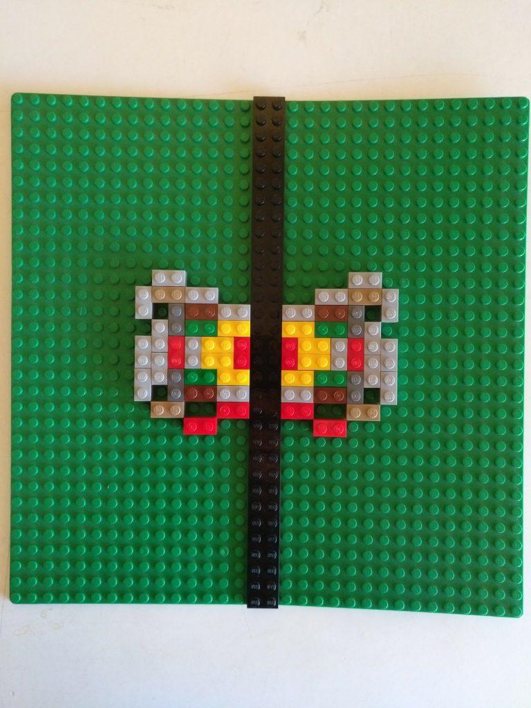 Simetrías con Lego en Aprendemos junto al mar matemáticas manipualtivas
