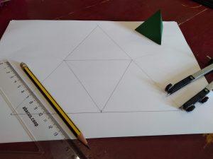 desplegament geomètric del tetaedre