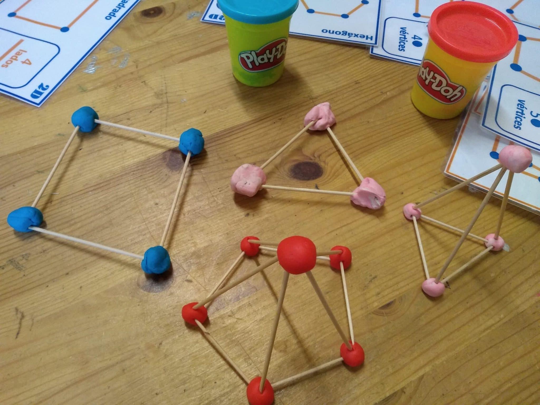 formas geométricas con palillos y plastelina, aristas y vértices